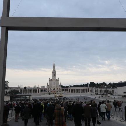 Program obchodów jubileuszu stulecia objawień fatimskich w sanktuarium Matki Boskiej w Lourdes
