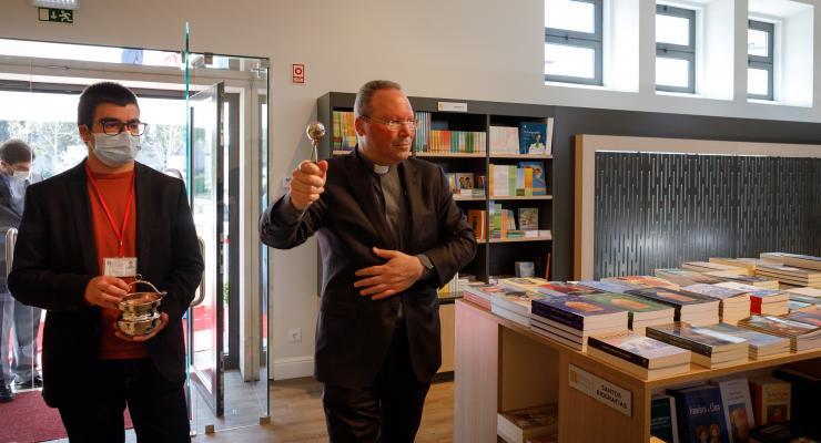 Livraria do Santuário de Fátima reabriu ao público depois de um período encerrada para obras de remodelação e reabilitação