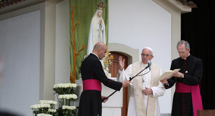 """Imagem comemorativa do centenário da Imagem de Nossa Senhora de Fátima foi recebida pelo Papa Francisco com """"o melhor apreço"""""""