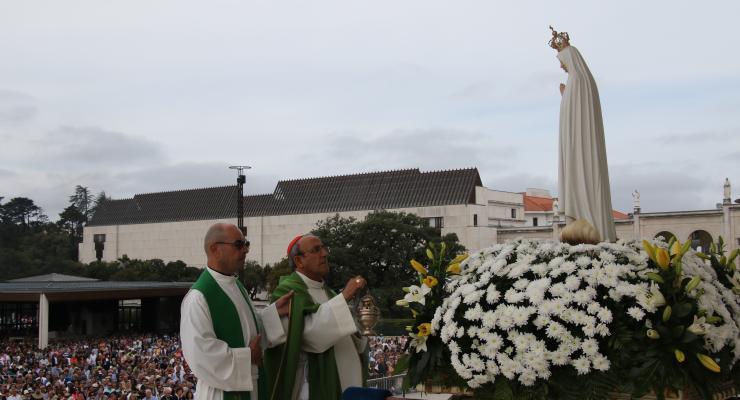 """""""Deus não quer cristãos de etiqueta ou de fachada, para quem a fé é apenas um adorno"""", afirmou D. António Marto"""