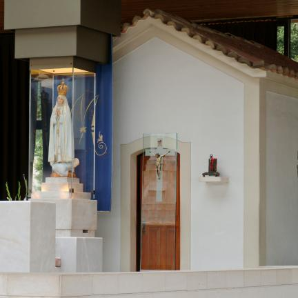 Santuário de Fátima garante transmissão diária da Missa e do Terço em celebração à porta fechada