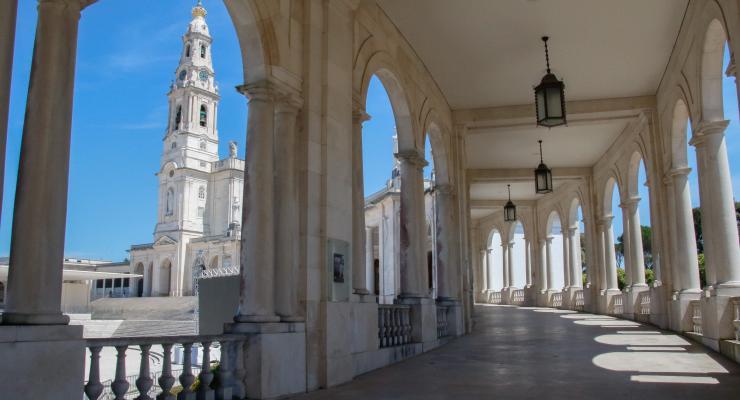 Santuário de Fátima ajusta o horário das celebrações, respeitando as restrições decretadas pelo Governo e que abrangem os próximos dias