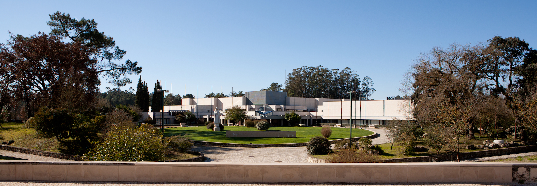 Centro Pastoral de Paulo VI.jpg