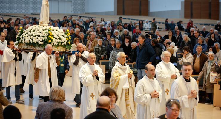 Santuário de Fátima lembra hoje a Ir. Lúcia de Jesus, uma das três crianças a quem Nossa Senhora Apareceu