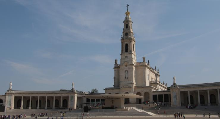 Celebrações com peregrinos regressam sábado e serão repartidas entre a Basílica da Santíssima Trindade e o Recinto de Oração