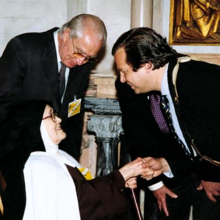 Servita cumprimenta a Irmã Lúcia