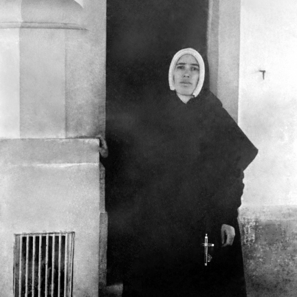Irmã Lúcia na Capelinha das Aparições