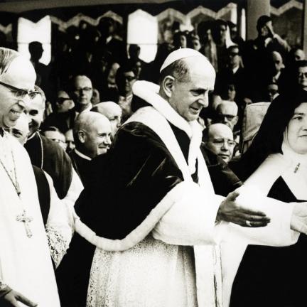 Irmã Lúcia morreu há 16 anos e caminha para a beatificação