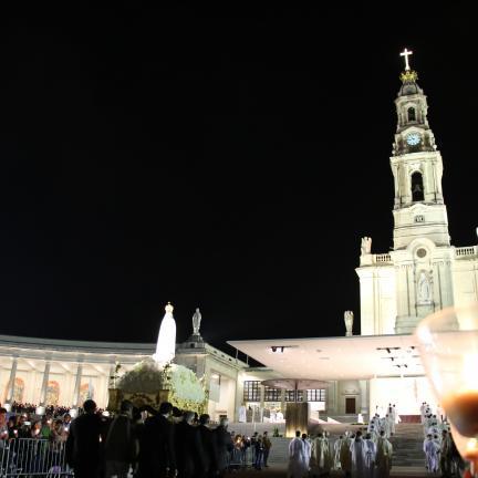 Fátima favorece a experiência comunitária da Igreja, diz D. António Augusto Azevedo
