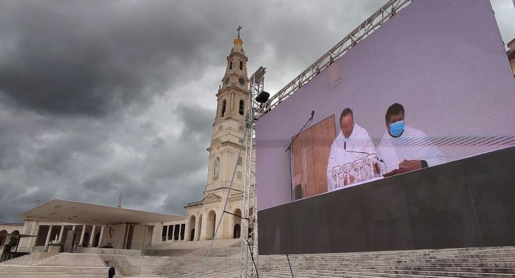 """Reitor do Santuário desafiou peregrinos a serem """"força transformante"""" e expressão do amor da Santíssima Trindade"""