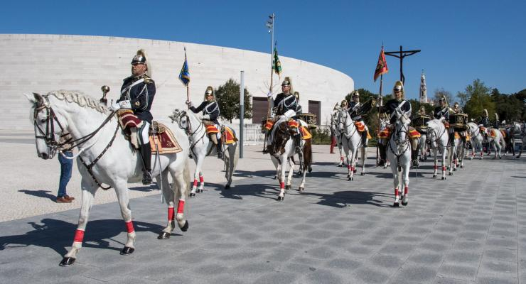 Peregrinos foram convidados a rezar pelos militares portugueses que partiram para Moçambique