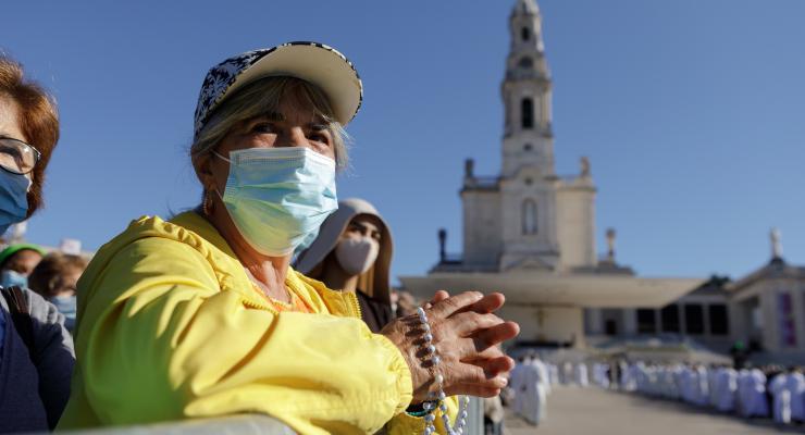 """""""Venho como peregrino entre os peregrinos de todo o mundo"""", afirmou o arcebispo primaz do Brasil"""
