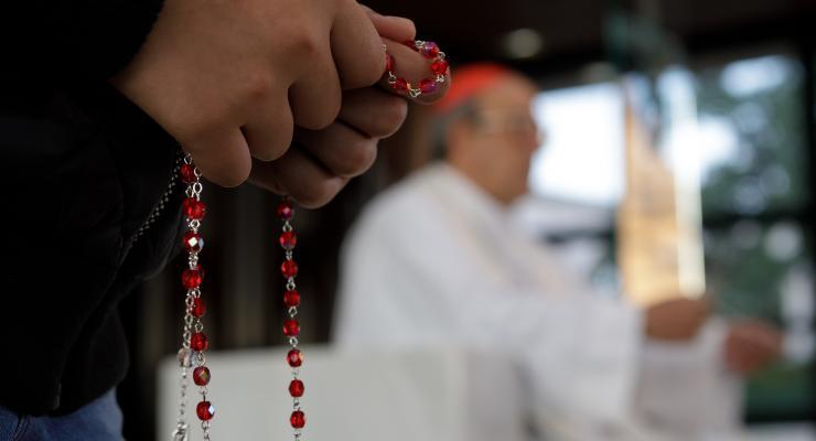 Cardeal António Marto presidiu à oração do Terço das Crianças na Capelinha das Aparições