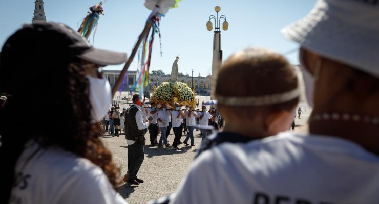 """""""A mensagem de Fátima recorda-nos o desafio que a história e a humanidade tanto esquecem: precisamos uns dos outros"""", afirmou D. Vitorino Soares"""