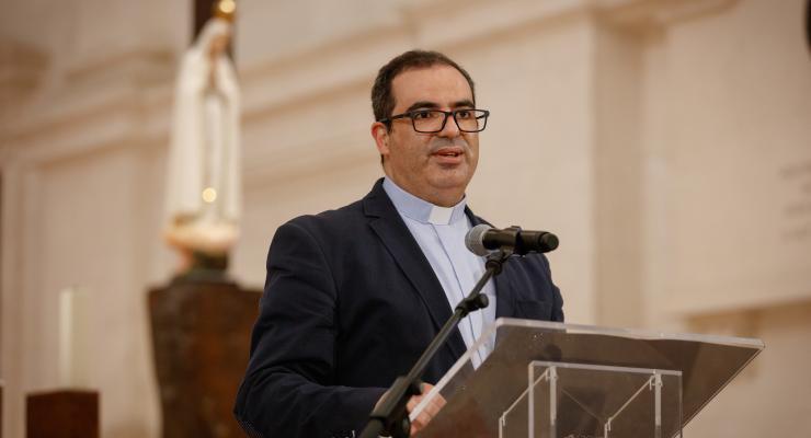 """""""A Igreja deve ser um local onde todos possam ser acolhidos, sem julgamentos"""", afirma o padre Ricardo Freire"""