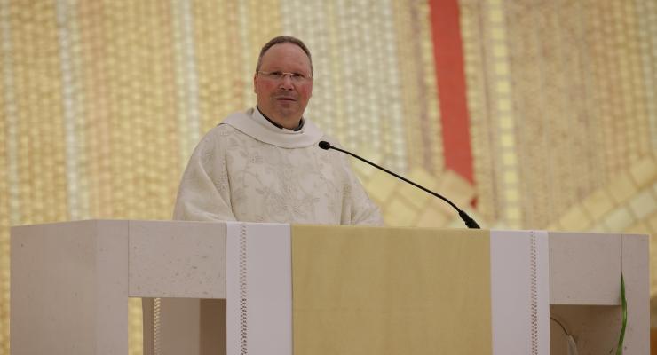 """A Eucaristia """"é o gesto de amor de Jesus para com os frágeis"""", afirma o reitor do Santuário de Fátima"""