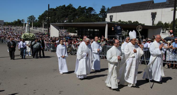 """""""Maria é a porta do Céu"""", afirma Cardeal D. António Marto"""