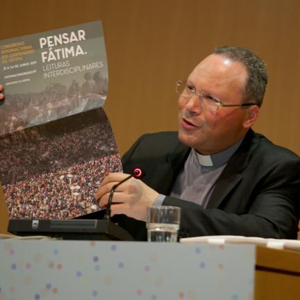 """Pe. Carlos Cabecinhas refere """"riqueza e abundância"""" na reflexão sobre o dom da vida"""