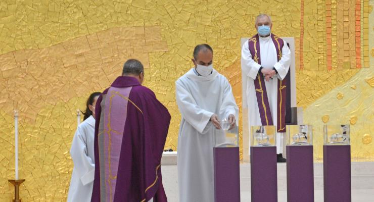 Bondade e recolhimento na oração dos santos Pastorinhos apresentadas como atitudes ideais para viver o Advento