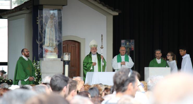 """D. Anacleto Oliveira considera que """"não há oração sem conversão, se a oração não levar à conversão não passa de uma farsa"""""""