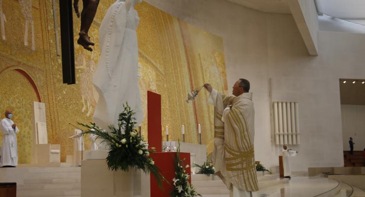 """""""Em cada um dos santos e das santas encontramos os traços do rosto de Cristo"""", considera o Pe. Carlos Cabecinhas"""